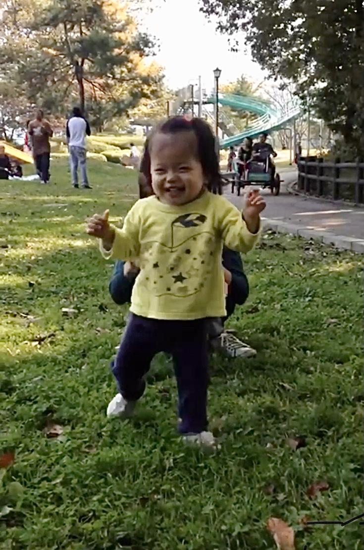 <No.139>赤ちゃんは立ち上がる!こんな世の中でも。